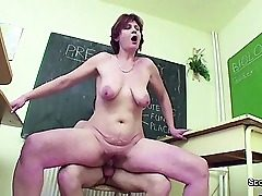 Female Teacher show Young How nymph get pregnant