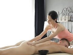 Sexy masseuse Emma Spunks gets vag rammed by her nasty client