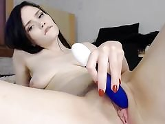 Sweetheart brown-haired honey masutbates sweet pussy