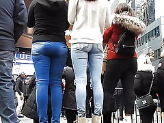 beautiful femmes pocketless jeans bum 2