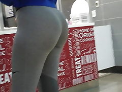 Young Fit Phat ass white girl !!