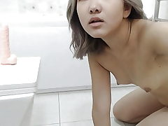 An Chinese Lady Wanks In The Shower