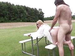 Mature superslut gets her pussy crevasse plunged outdoors hard core inwards