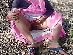 Indian girl is having scorching fucky-fucky in the nature, in the middle of the day